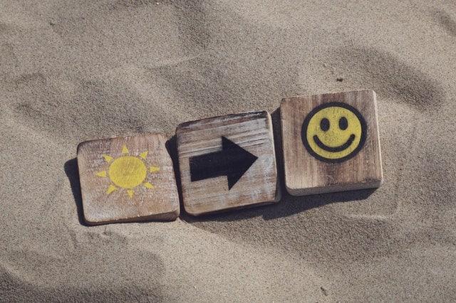 sun happy blocks in the sand